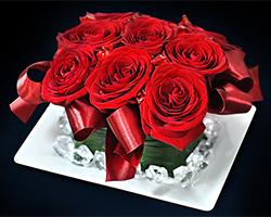 Akt z róż